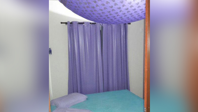 """bbb6beaa9 ... casa de massagem"""" e dizia que o atendimento era feito por mulheres de  lingerie, das 10h às 22h, no bairro Vila Nova. As três mulheres foram  encaminhadas ..."""